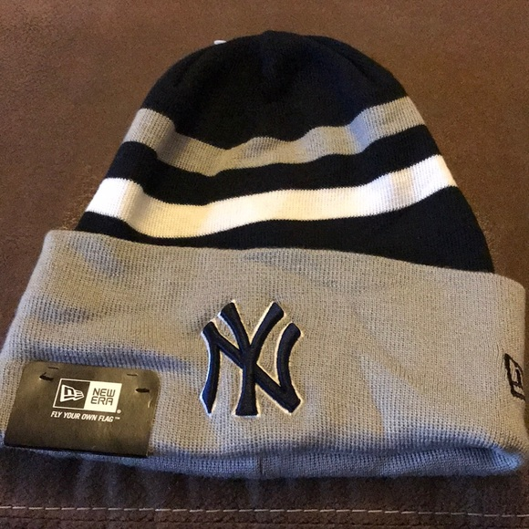 8da79a35c4c New Era NY Yankees Beanie Hat